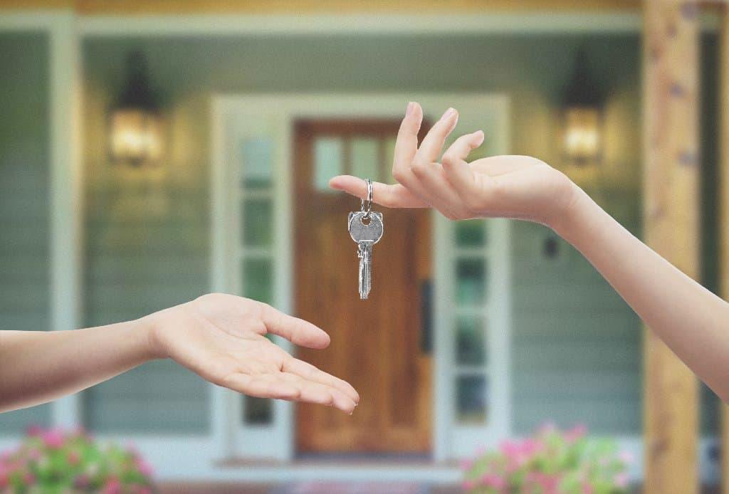 Wie kann ich in Immobilien investieren - Der klassische Kauf einer Immobilie - Beitragsbild der-makler.immo