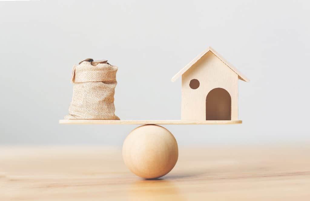 Grundschuld löschen oder übertragen, wenn das Darlehen bereits getilgt ist? - Beitragsbild der-makler.immo