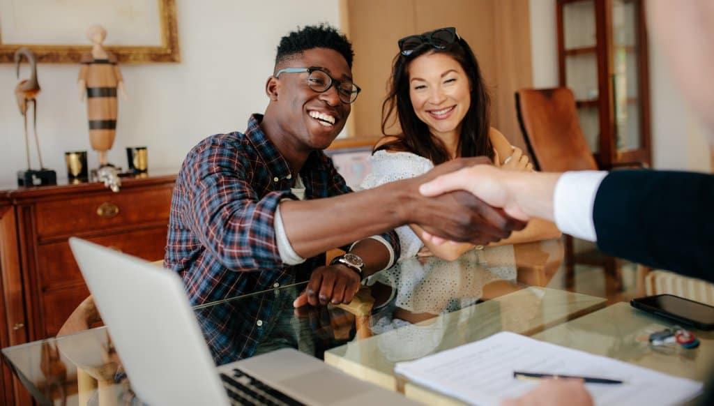 ➤ Wohnungsübergabe - 7 bedeutsame Details die Sie beachten sollten! - Titelbild der-makler.immo