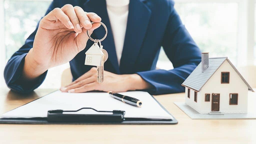Die Maklerprovision beim Immobilienverkauf - Beitragsbild der-makler.immo