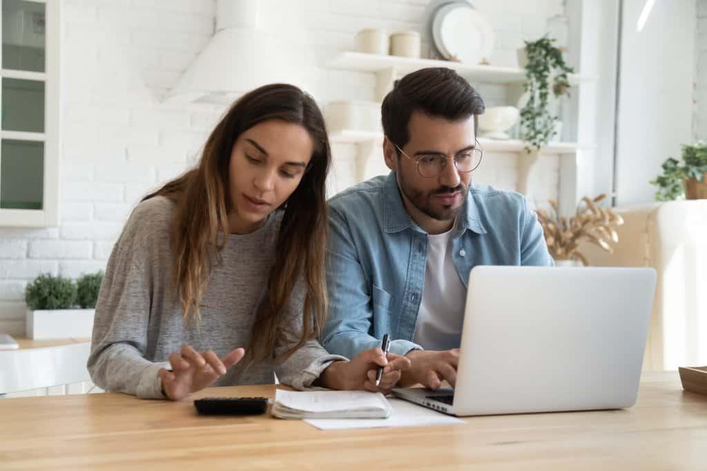 Hausverkauf Kosten – Welche? In welcher Höhe? Und wie vermeiden? - Beitragsbild der-makler.immo
