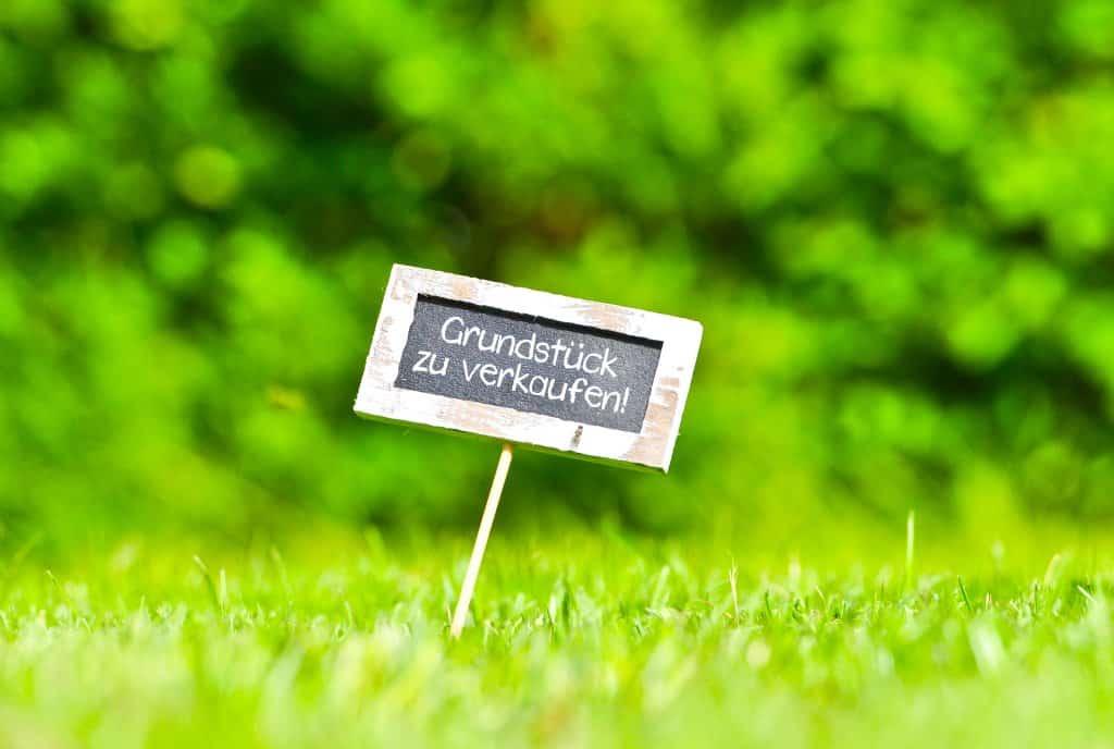 Ein Grundstück verkaufen – Tipps zum Grundstücksverkauf - Titelbild der-makler.immo